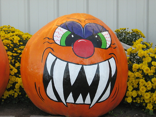 halloween-storage-com-pumpkin-painting