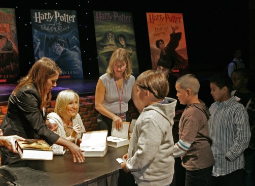 la-et-cm-harry-potter-and-the-cursed-child-london-2016-20150626