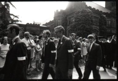Students wearing armbands in 1970 Commencement