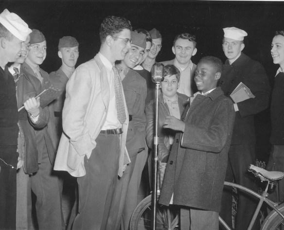 Frederick_Rhinestein_'49_interviews_local_shoe_shine_boy_1946_(WPRU)_AC112_Box_MP170_Item_4806