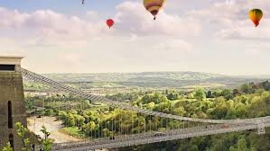 Picture of hot air balloons over avon bridge