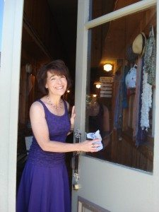 WillowCreek Gifts owner Jo parker welcomes you!