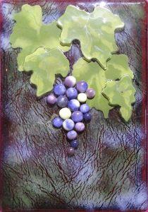 Jessy-Carrara-Veraison-Evening-glass-art-grape-cluster-210x300.jpg