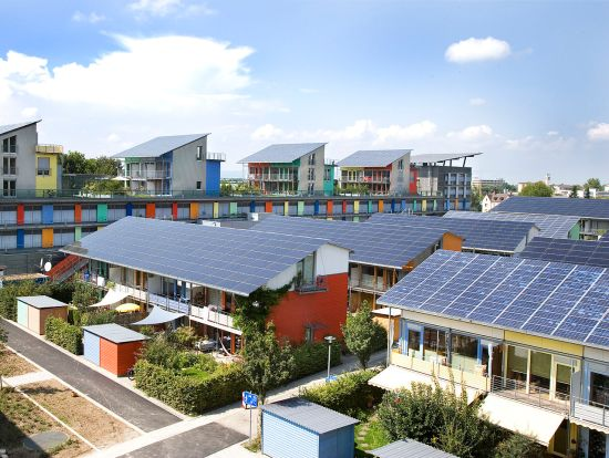 Solar Settlement, Freiburg, Germany. Image by Andrewglaser at English Wikipedia. Attribution CC BY-SA 3.0