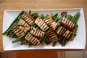 halloumi & asparagus salad