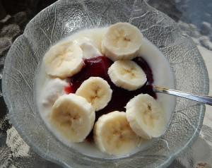 bananas, plum butter & yogurt