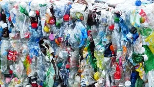 Huella de plásticos. Grado en transporte y logística UCJC