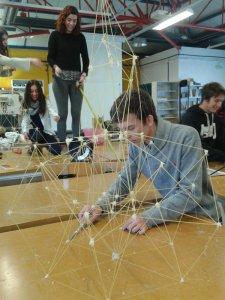 Construcciones con espaguetis en la UCJC