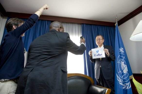 Behind-the-scenes. On an official visit to Niger, Secretary-General Ban Ki-moon recorded a Vine video for the UN's two million Twitter followers. Photo credit: Mark Garten/UN Photo