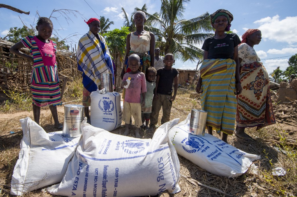 People received aid from the World Food Programme (WFP) in Mozambique. UN Photo/Eskinder Debebe (2019)