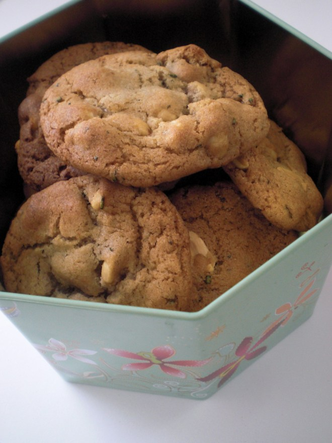 peanut and rosemary cookies