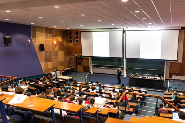 3 (+1) Things to look forward to about Economics at York - Don't skip your Economics lectures