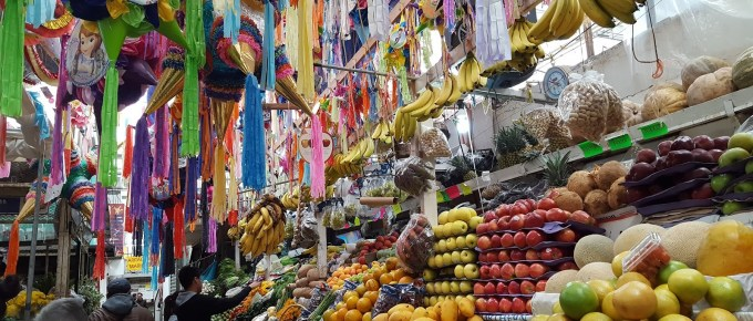 Photograph of Mexican marketplace