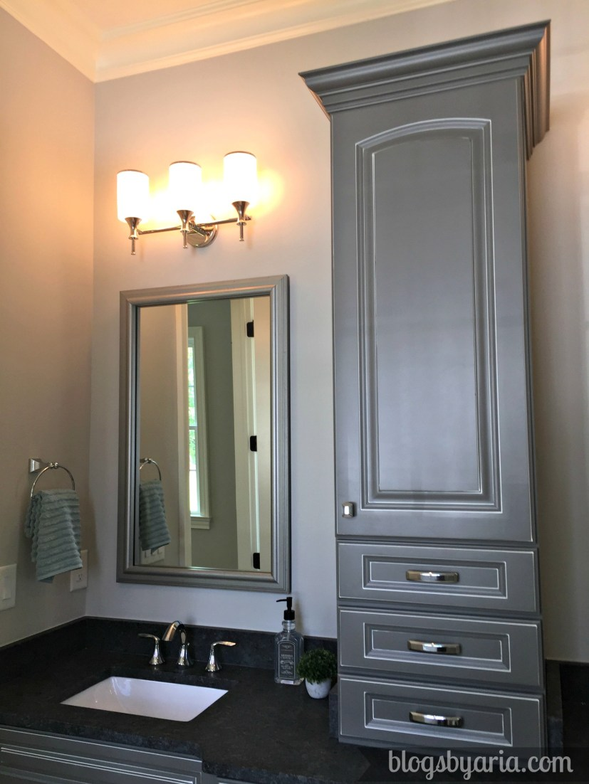 Elks master bathroom