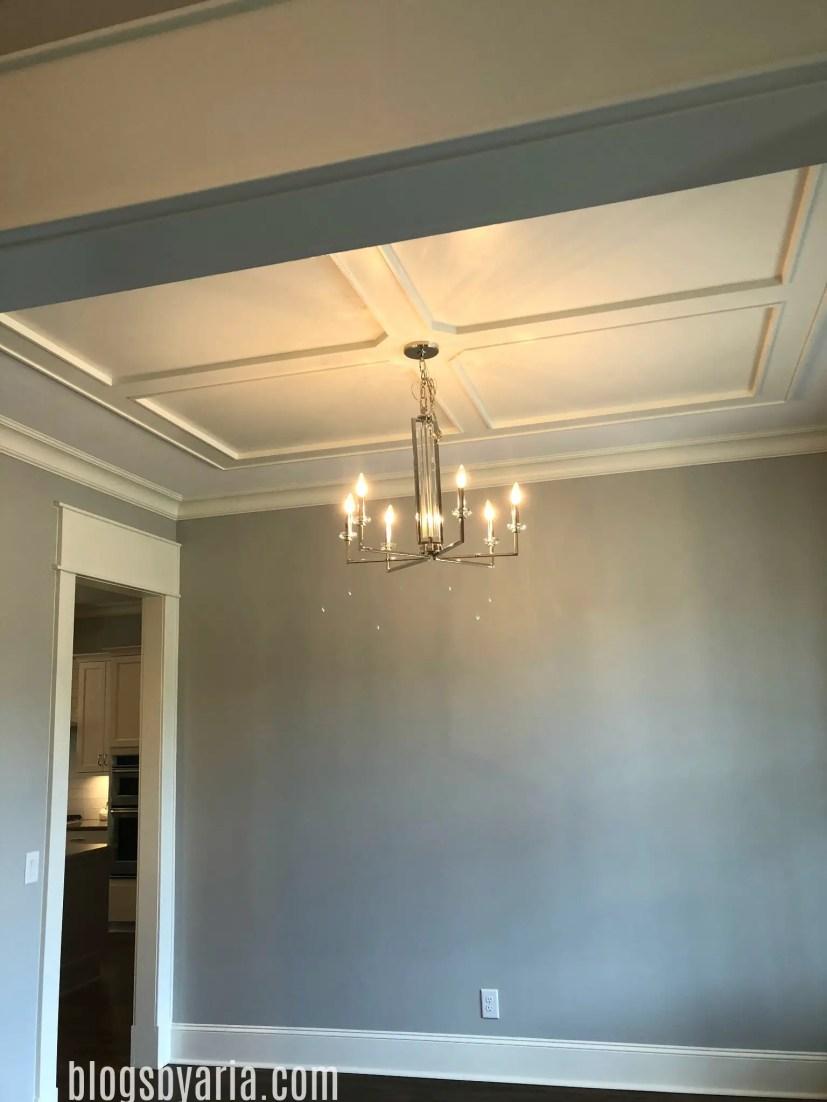 ceiling detail in dining room door casing trimwork millwork