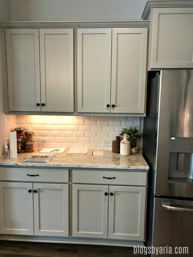gray/beige cabinets