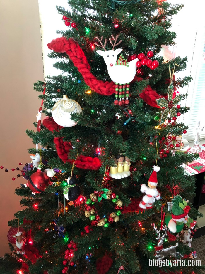 Traditional Christmas Tree.Our Cozy Traditional Christmas Tree Blogs By Aria