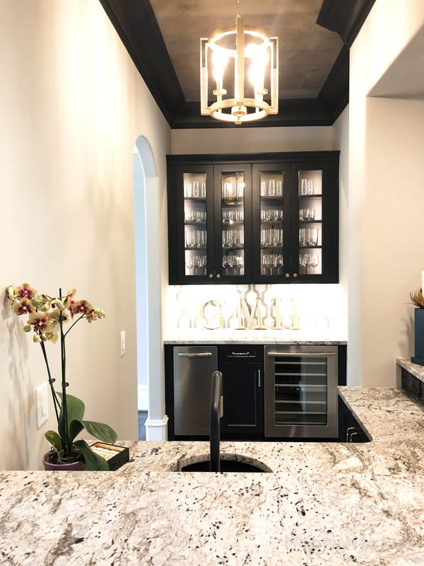 butlers pantry and wet bar