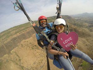 Tandem paragliding