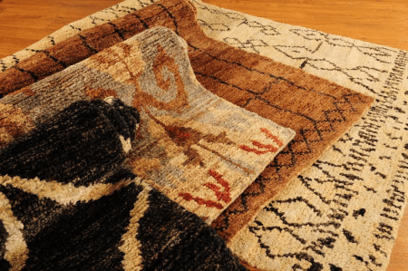 How to Use Area Rugs for Store Display