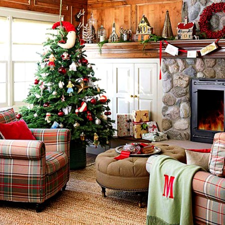 Traditional-Christmas-Living-Room-Interior5