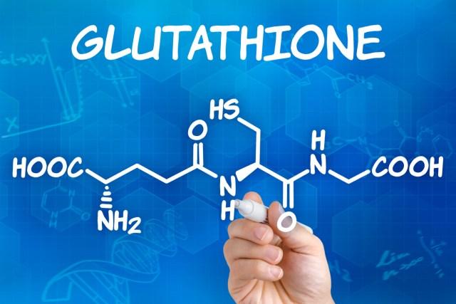 Glutathione làm chậm lão hóa, xóa những nếp nhăn và tăng cường trí nhớ.