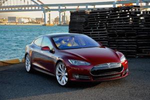 vehicules electriques rapides tesla S