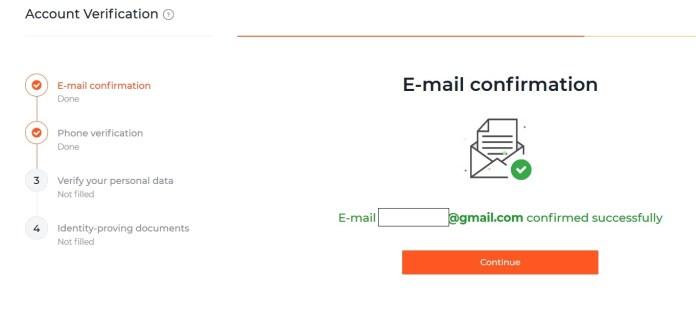 Đầu tiên là xác nhận email