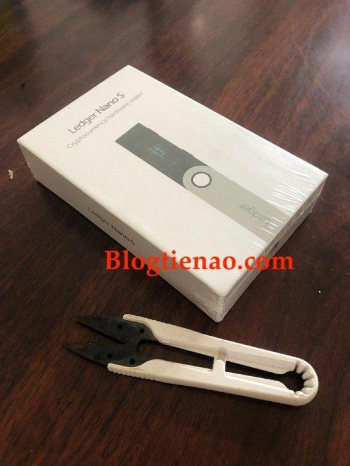 Ví lưu trữ bitcoin Ledger Nano S