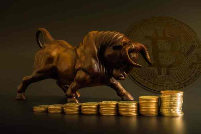 Giá trị Bitcoin tăng trung bình 153% sau khi pullback 30%.