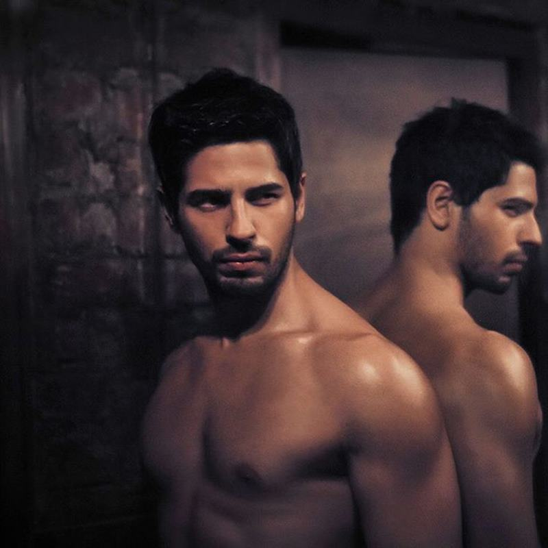 15 Hot Pics of Sidharth Malhotra that justify his hotness to some level- Sid Reflection