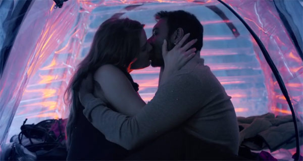 Hottest Bollywood Kisses Of 2016- Ajay and Erika Kaar in Shivaay