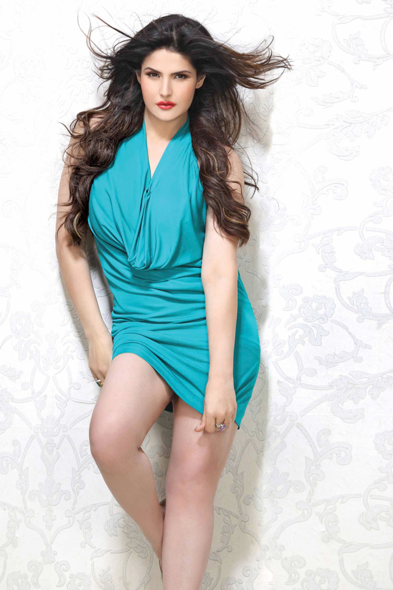 15 Hot Pics of Zareen Khan which prove that curves are super-hot!- Zareen 14