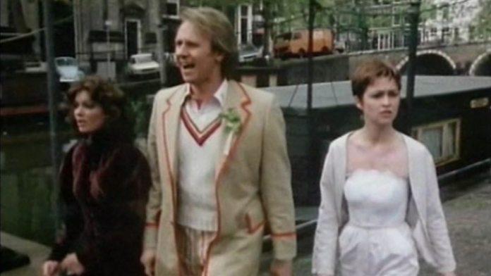 Nyssa - The Doctor - Tegan - Arc of Infinity Part 4 (c) BBC