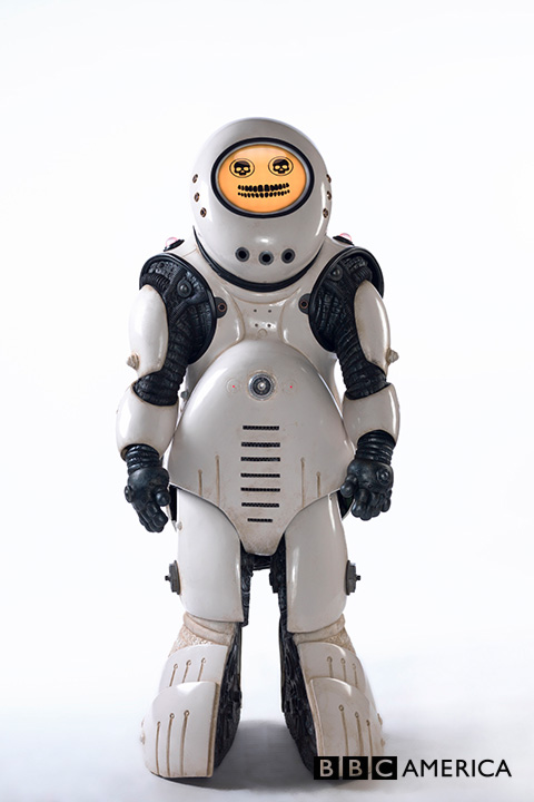 Doctor Who S10 E02 - Smile - EMOJIBOT © BBC
