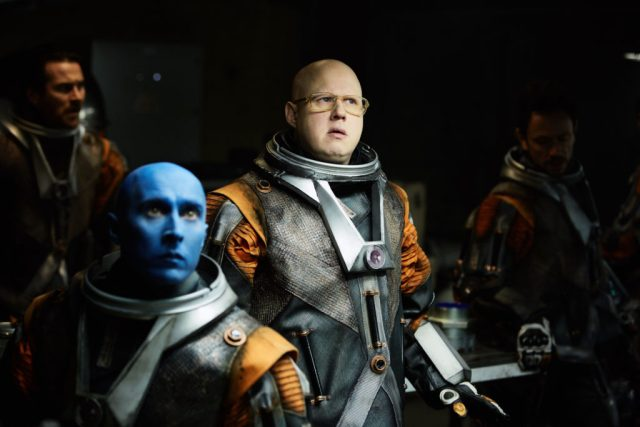Doctor Who S10 - TX: 13/05/2017 - Episode: Oxygen (No. 5) - Picture Shows: Dahh-Ren (PETER CAULFIELD), Nardole (MATT LUCAS) - (C) BBC/BBC Worldwide - Photographer: Simon Ridgway