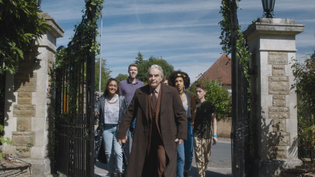 Doctor Who - Knock Knock (No. 4) - Picture Shows: Shireen (MANDEEP DHILLON), Paul (BEN PRESLEY), The Landlord (DAVID SUCHET), Bill (PEARL MACKIE), Harry (COLIN RYAN) - (C) BBC - Photographer: screen grab