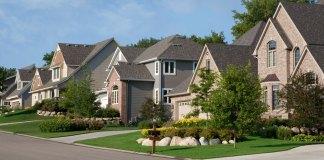 Maisons dans un quartier résidentiel