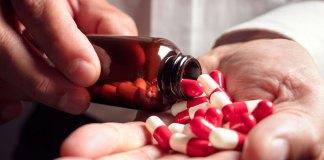 Suicide via une surdose de médicaments