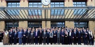 Participants à la Conférence de Paris