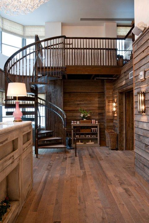 soho-beach-house-miami-escalier-dans-une-chambre