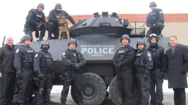 police-militarisee-de-halifax