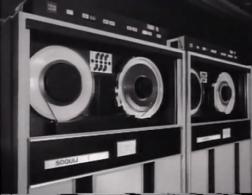 Avant les disques durs, les banques de données de SOQUIJ roulaient sur des ordinateurs fonctionnant avec des bandes magnétiques.