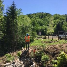 Arpentage pour l'emplacement des nouveaux pylônes