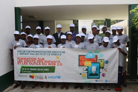 Photo de famille des participants à la formation avec les représentants de Unicef