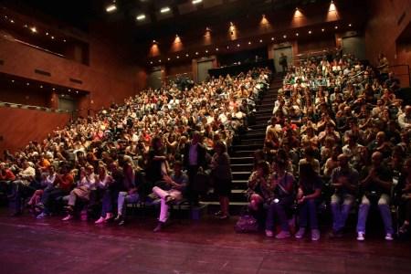 Encuentro con los guionistas de J uego de Tronos en Sevilla. Fundación SGAE y Andalucía Film Commission_Teatro Central abarrotado