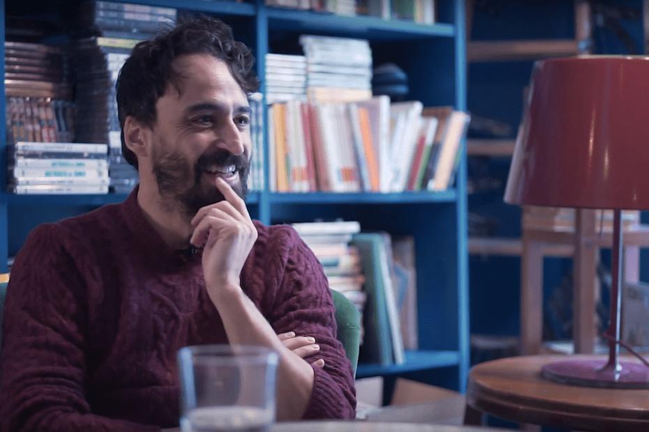 El guionista Daniel Remón en la librería Ocho y medio de Madrid