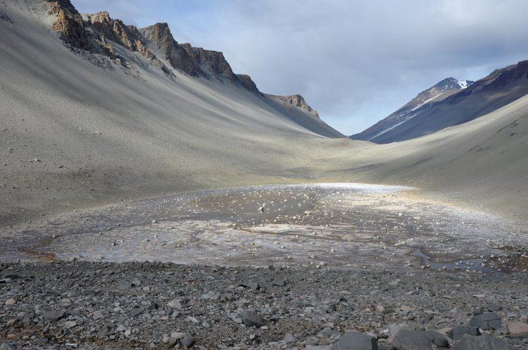 The Dry Valleys (Antartica) - Tempat terkering di dunia