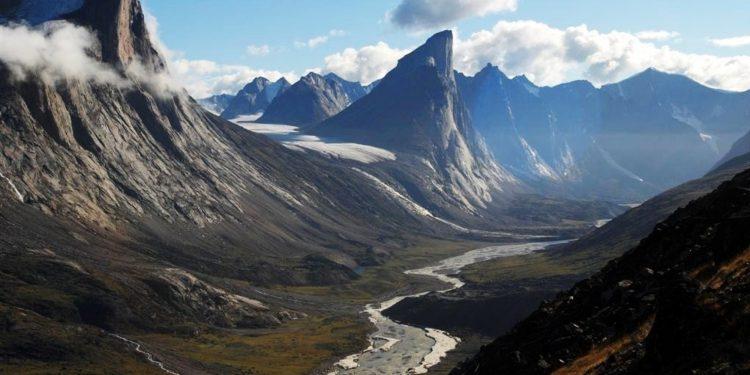 Gunung Thor (Kanada) - Tempat paling vertikal di dunia