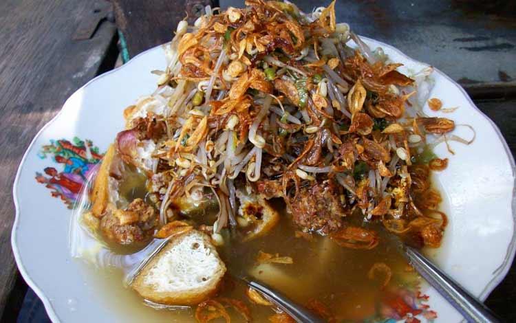 Makanan dan Minuman Khas Surabaya - Lontong Balap